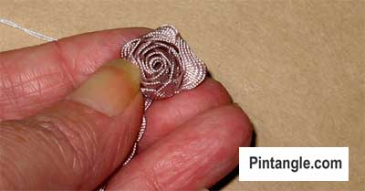 How to make a Ric Rac rose step3