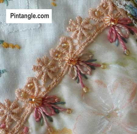 sample of detached chain the lazy daisy stitch 3
