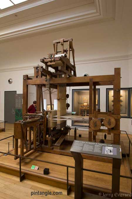 the Musée des arts et métiers loom